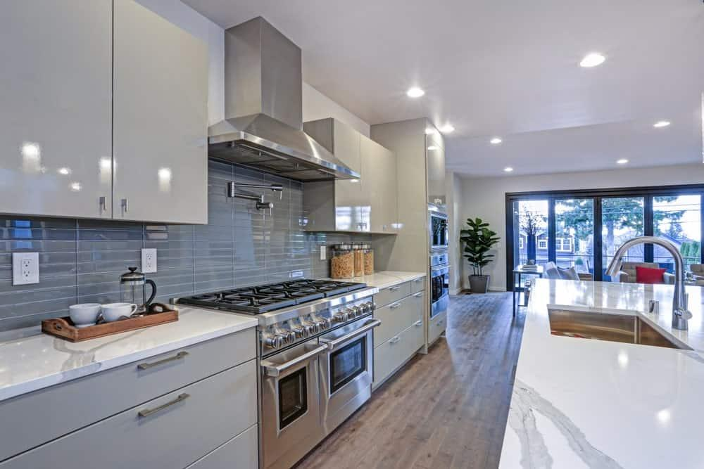 70 Long Narrow Kitchen Ideas (Photos) - Home Stratosphere